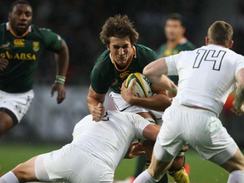 Large etzebeth tackled630