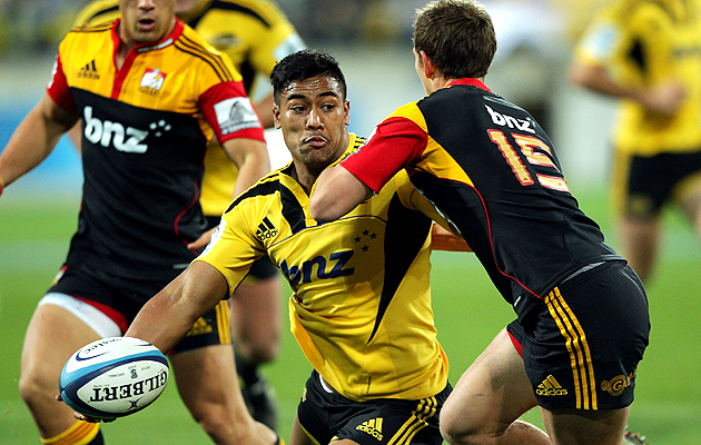 Julian-savea-hurricanes-630
