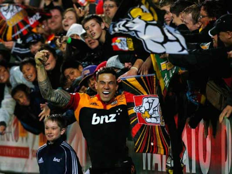Large sonny bill celebrates630