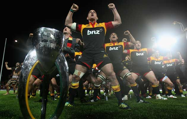 Chiefs-trophy-haka630