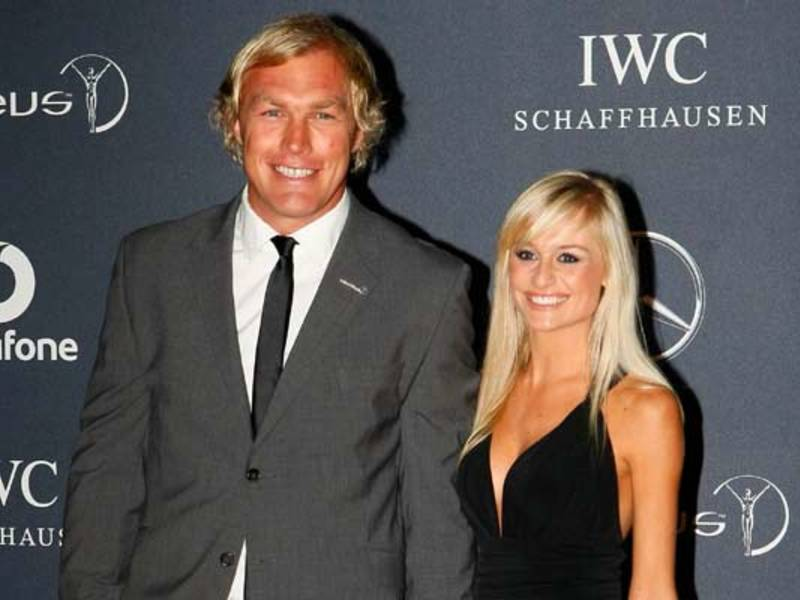 Large schalk burger and wife630
