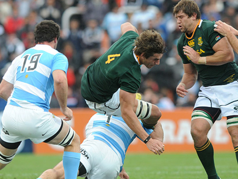 Large eben etzebeth tackled 630