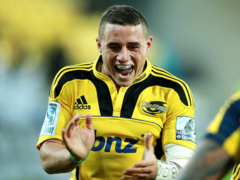 Large tj perenara celebrates 630