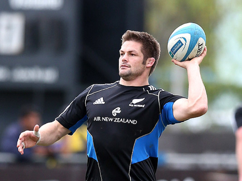 Large richie mccaw ball 630