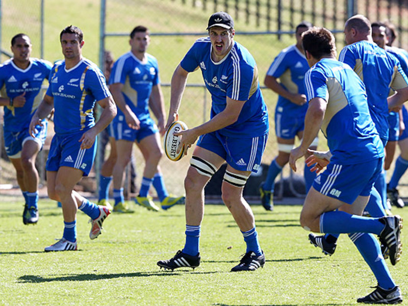 Large brodie retallick abs train