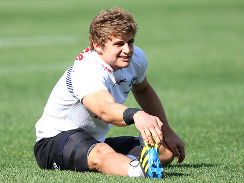 Large pat lambie sharks train 630