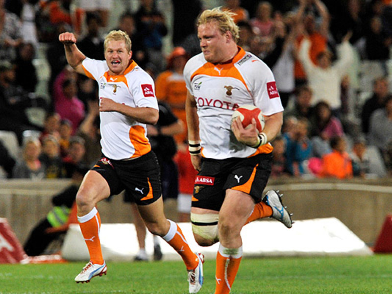 Large adriaan strauss runs v king