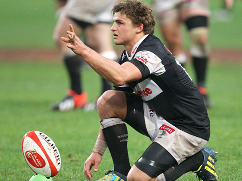 Large patrick lambie places ball