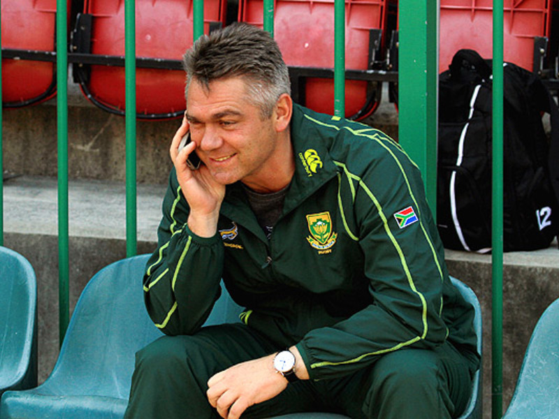 Large heyneke meyer on phone 630