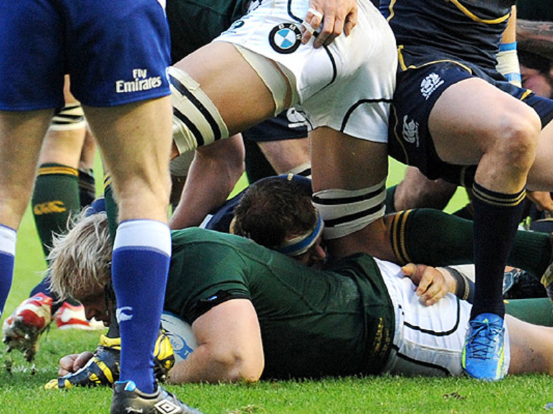 Large adriaan strauss try v scot