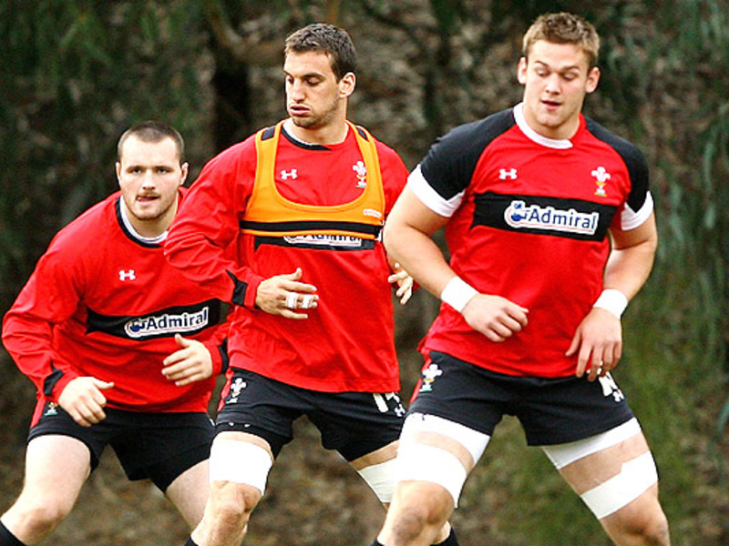 Large sam warburton wales trainin