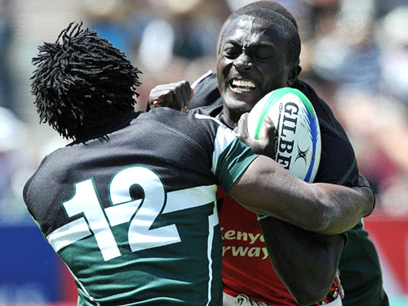 Large collins injera tackled by w