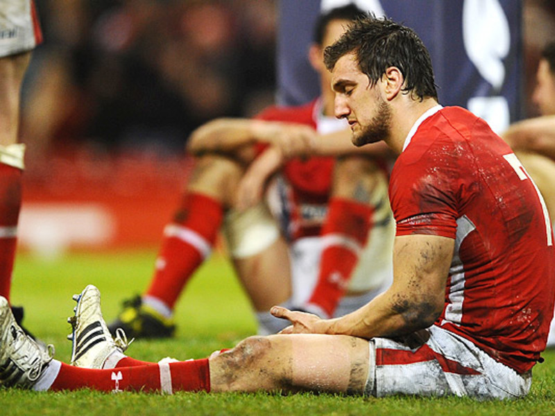 Large sam warburton wales dejecte