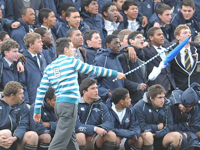 Large schoolboy spectators