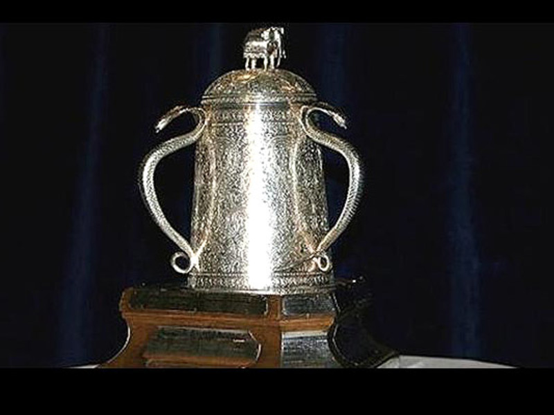 Large calcutta cup trophy3