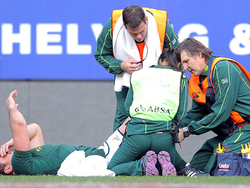 Large bismarck du plessis injured