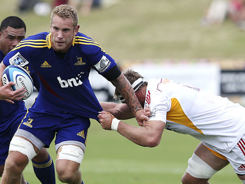Large chiefs v highlanders2