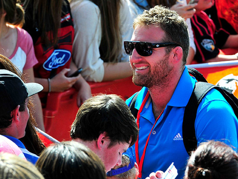 Large kieran read with fans