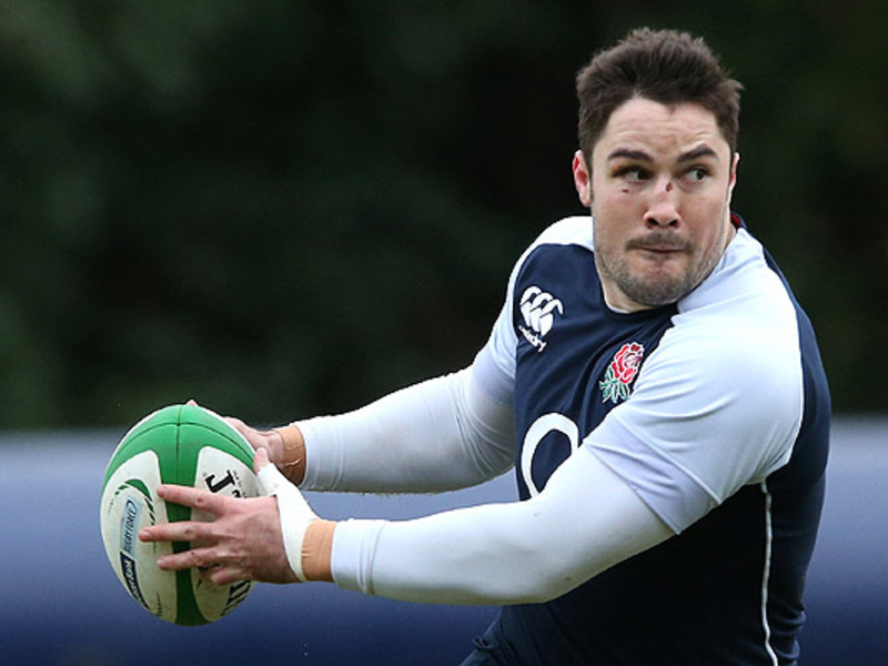 Large brad barritt england traini