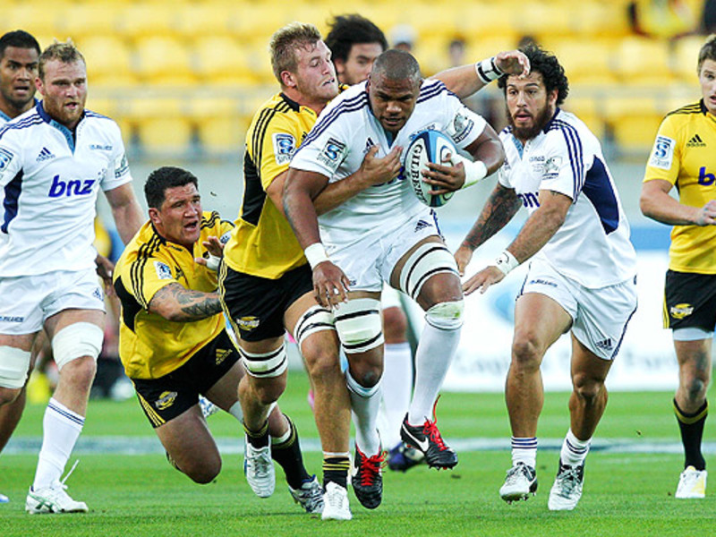 Large hurricanes v blues