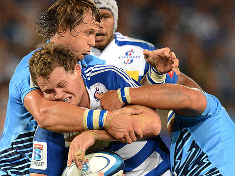 Large bulls v stormers tackle2