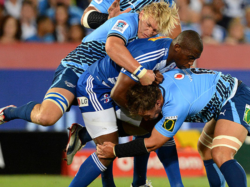 Large bulls v stormers tackle3