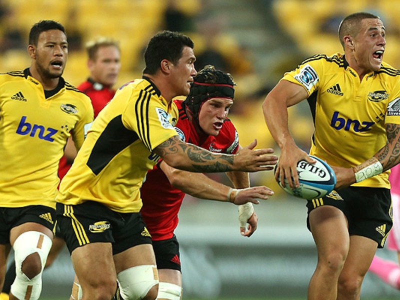 Large hurricanes v crusaders