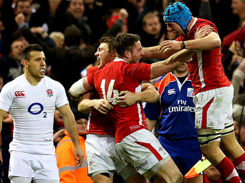 Large wales celebrate 6n win2