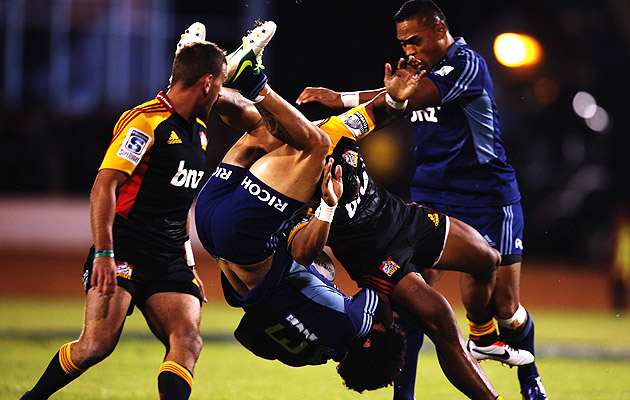 Chiefs-v-blues-tackle