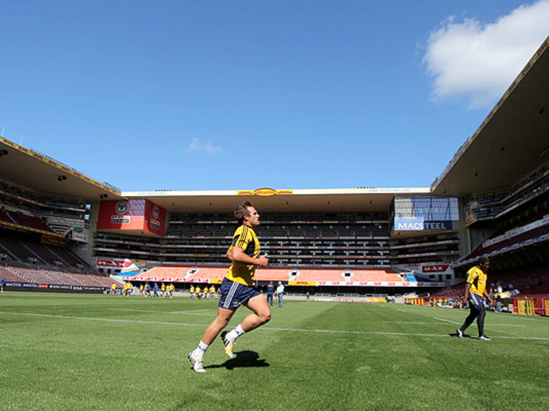 Large stormers train at newlands