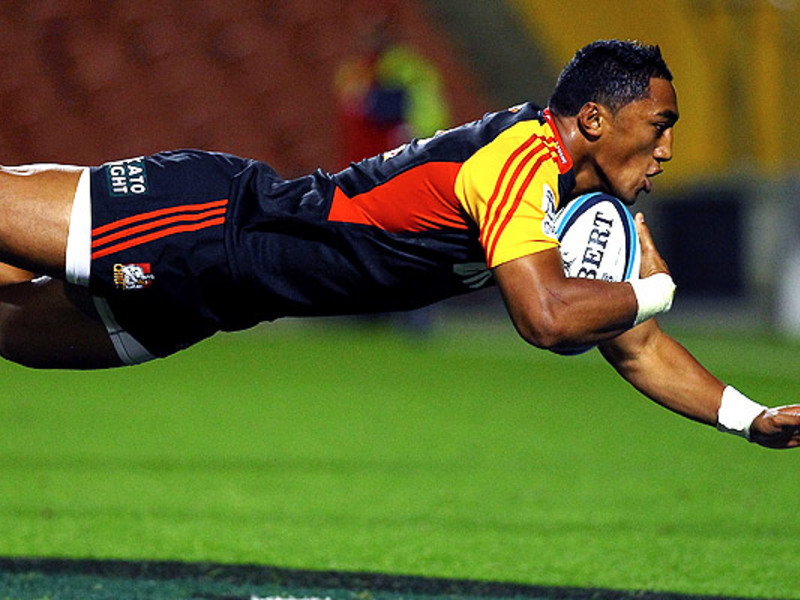 Large bundee aki chiefs try