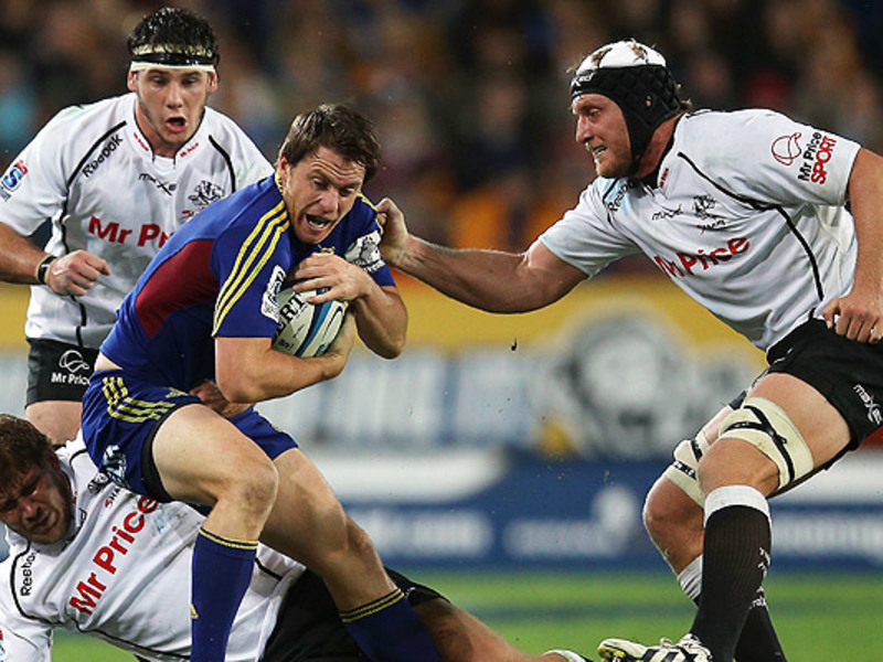Large highlanders v sharks3