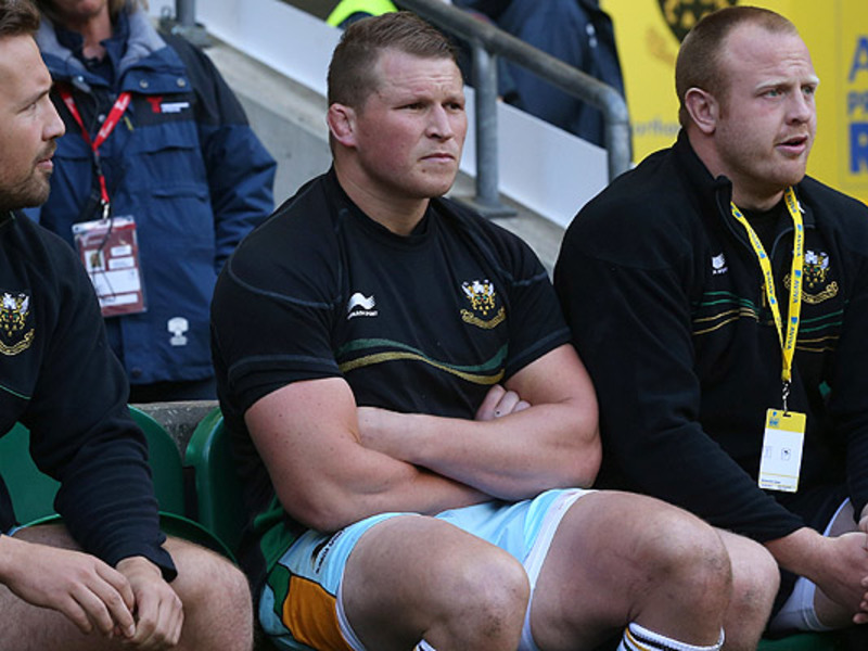 Large dylan hartley benched