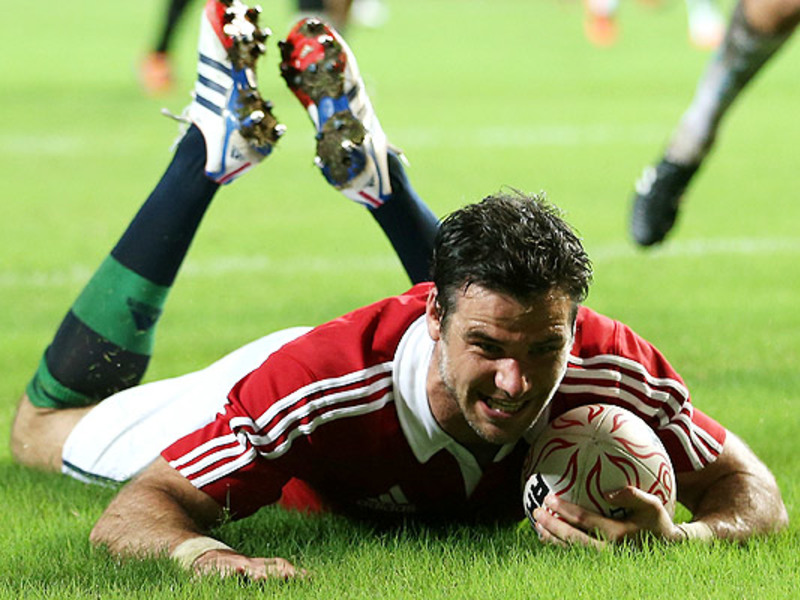 Large mike phillips b i lions try