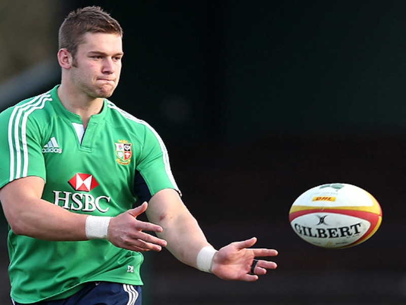 Large dan lydiate b i lions train