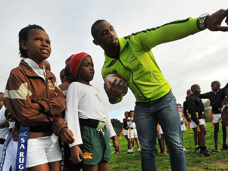 Large siya kolisi on mandela day