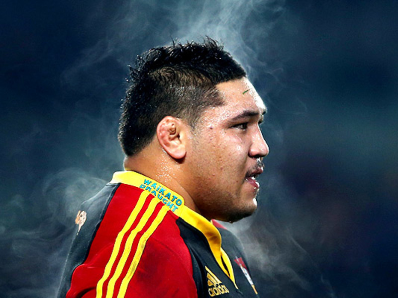 Large ben tameifuna chiefs steam