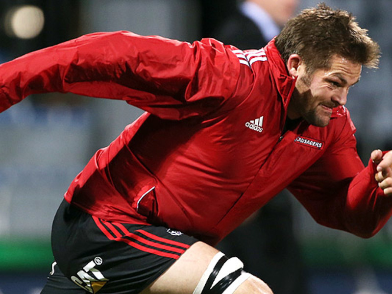 Large richie mccaw warms up