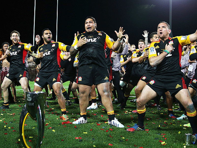 Large chiefs victory haka