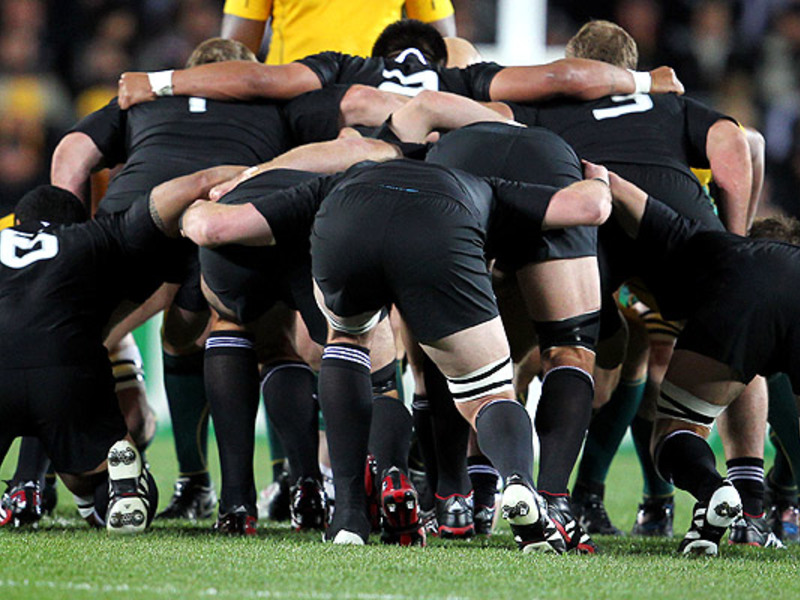 Large all black scrum
