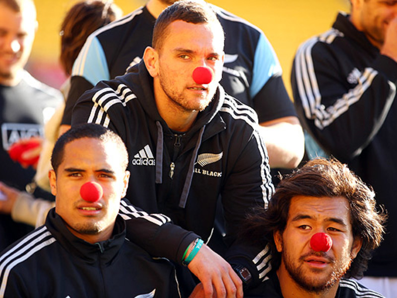 Large all blacks red noses