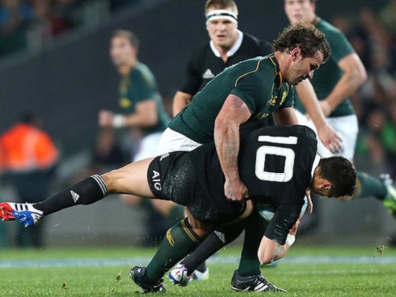 Large bismarck du plessis tackle
