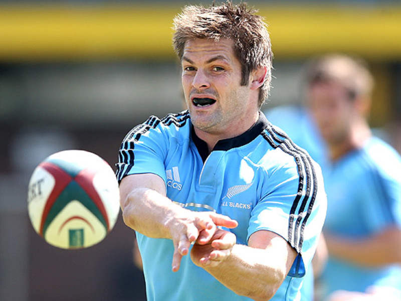 Large richie mccaw all blacks tra