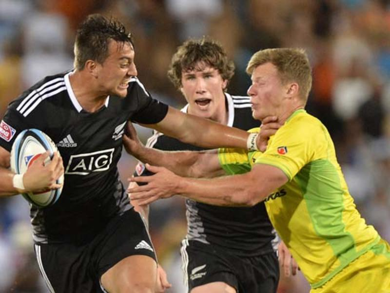 Large nz sevens hand off630