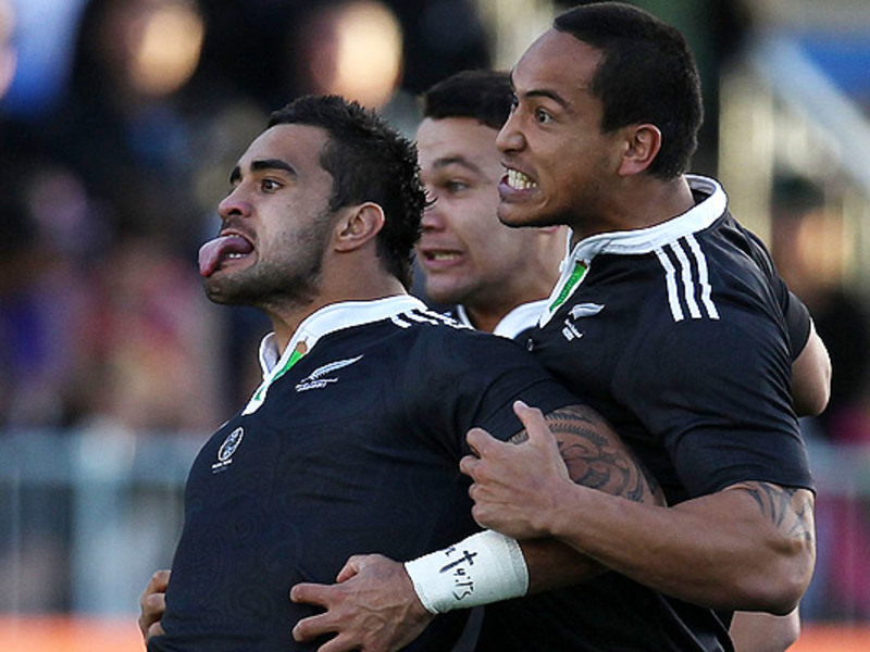Large liam messam haka