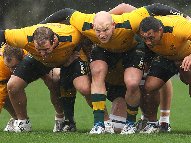 Large wallaby scrum2