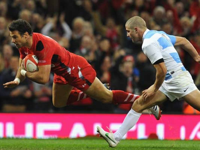 Large mike phillips dive.jpg630