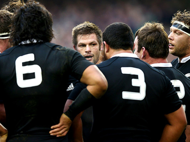 Large richie mccaw team huddle