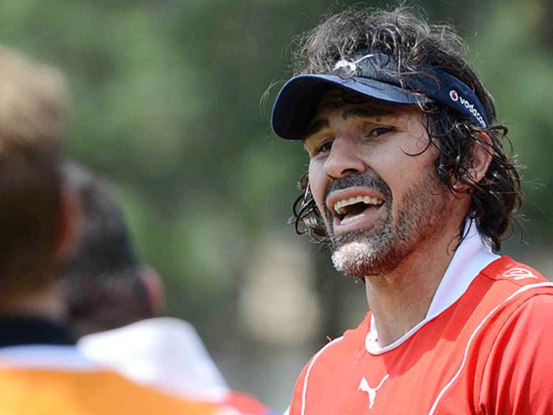 Large victor matfield bulls train