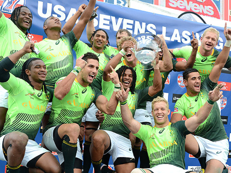 Large blitzbokke celebrate in veg